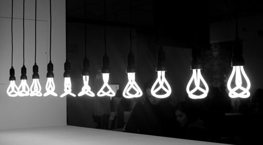 Plumen-001-low-energy-designer-bulb-award-winner